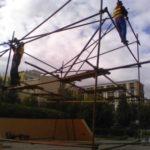 Монтаж конструции из хомутовых лесов