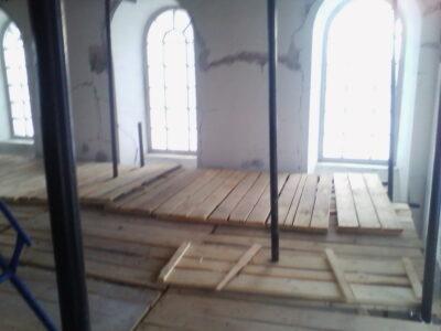 Фото монтаж хомутовых лесов внутри Сергиевской Церкви